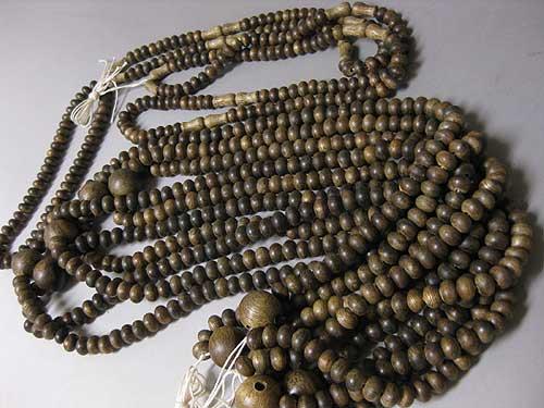 沈香 二双半法華の数珠