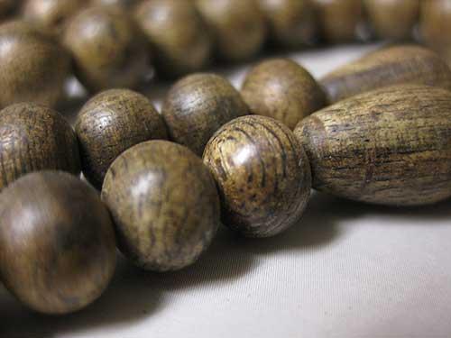 沈香 尺六装束の数珠